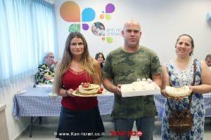 גלעד פוגל, תושב נתניה הזוכה במקום הראשון בתחרות עוגת הגבינה של השרון |צילום: מיה ברגר