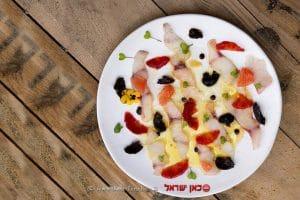 מתכון לקרפצ'יו ברמונדי עם תפוזי דם   צילום: הדס ניצן